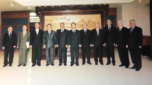 مع وفد  سوري في  اثناء زيارته للصين