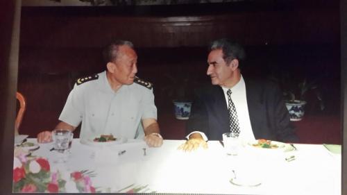 مع وزير الدفاع الصيني