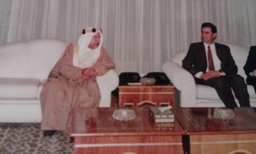 مع امير البحرين